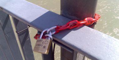 luchetto sul ponte di San Lorenzo a Trento